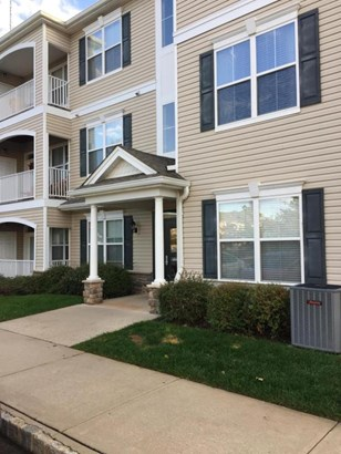Condominium,Condominium, Lower Level - Matawan, NJ (photo 1)
