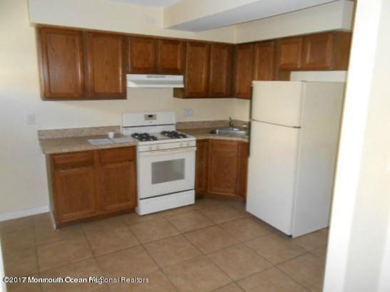 Condominium,Condominium - Attached,Lower Level,One Level Unit (photo 5)
