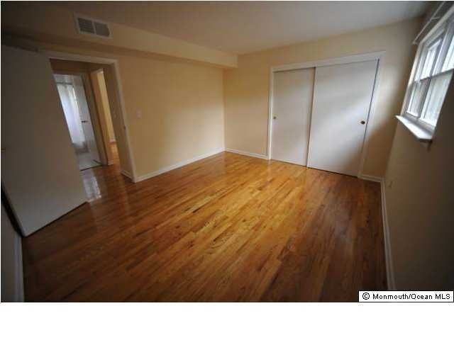 Apartment, Upper Level - Farmingdale, NJ (photo 5)