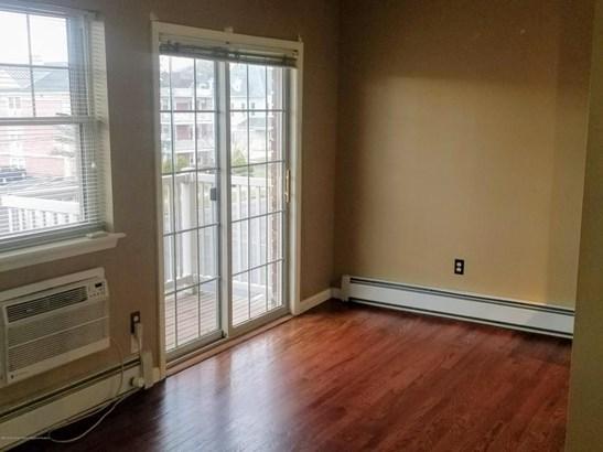 Condominium,Condominium, Middle Level - Asbury Park, NJ (photo 3)
