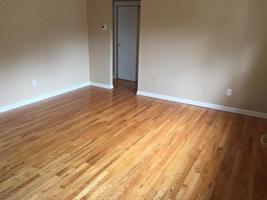 Lower Level, Apartment - Farmingdale, NJ (photo 2)