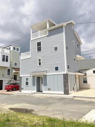 Single Family,Detached, Shore Colonial - Lavallette, NJ (photo 3)