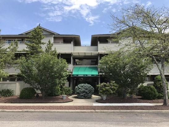 Condominium,Condominium - End Unit,Lower Level,One Level Unit (photo 2)