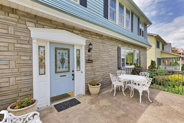 Colonial, Single Family,Detached - Avon-by-the-sea, NJ (photo 4)