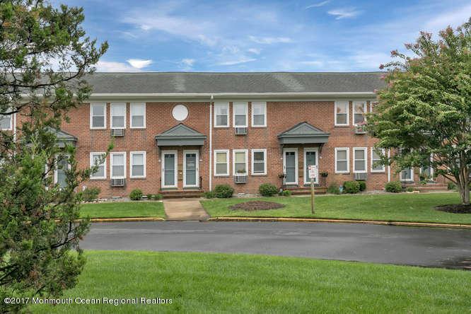Condominium,Condominium - Attached,One Level Unit,Upper Level (photo 1)