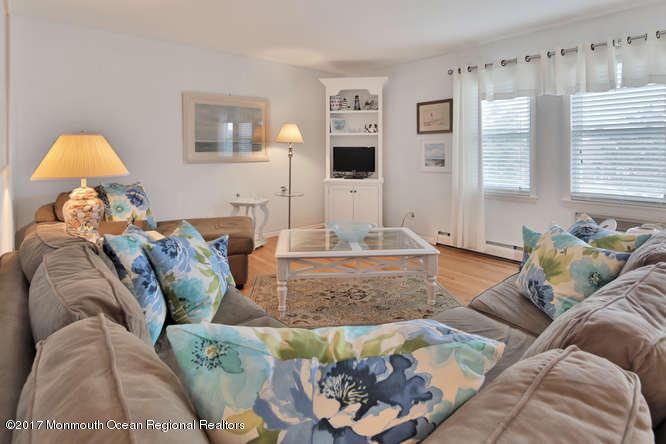 Condominium,Condominium - Attached,One Level Unit,Upper Level (photo 5)