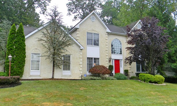 Colonial, Single Family,Detached - Farmingdale, NJ (photo 1)