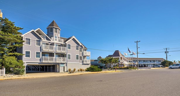 Condominium,Attached, Attached,End Unit - Beach Haven, NJ (photo 4)