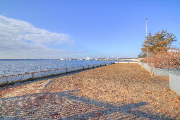 Single Family,Attached, Colonial,Custom - Toms River, NJ (photo 4)