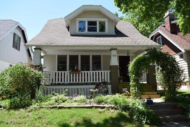 Main - great curb appeal (photo 1)