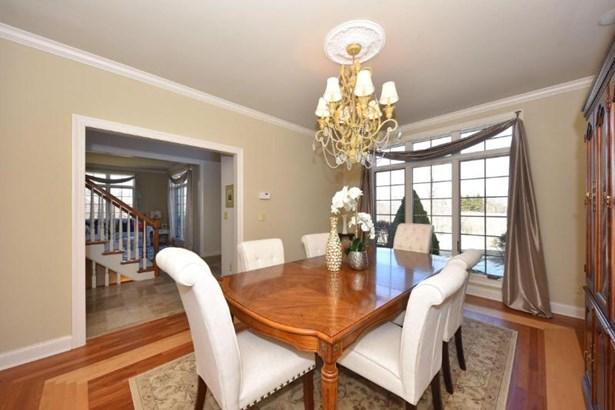 Dining room with hardwood floors (photo 4)
