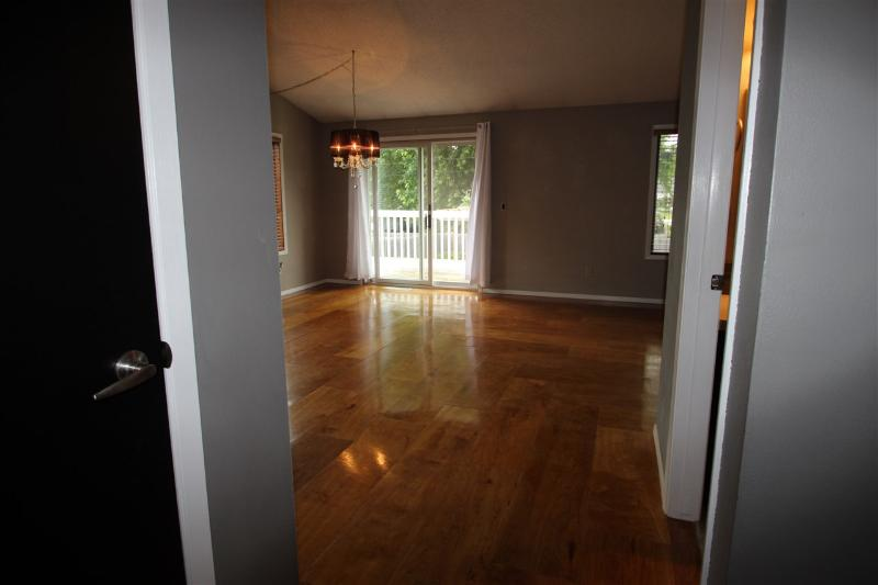 Wood floors (photo 2)