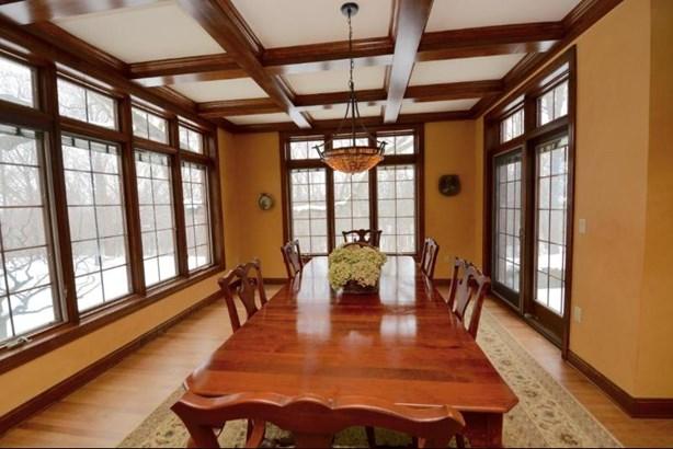 Foyer view (photo 5)