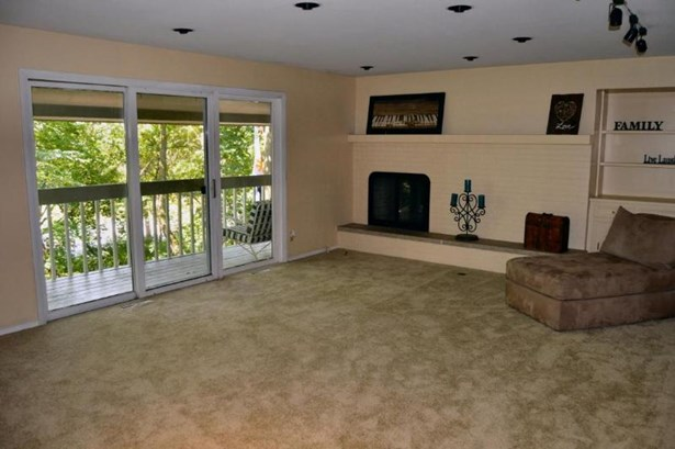 Living Room with Door to Deck & GFP (photo 2)