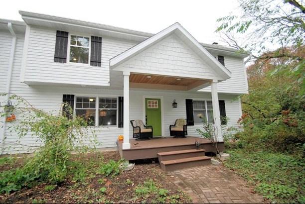 Composite Deck/Front Porch (photo 1)