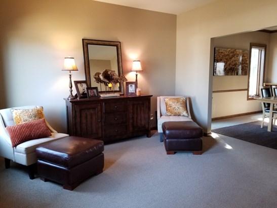 Living Room / Living Room (photo 4)