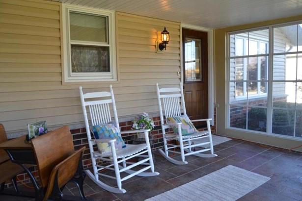 Enclosed Front Porch (photo 2)
