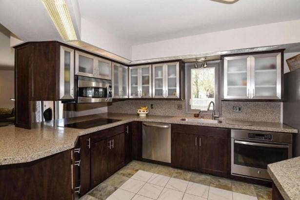 Custom Kitchen (photo 4)