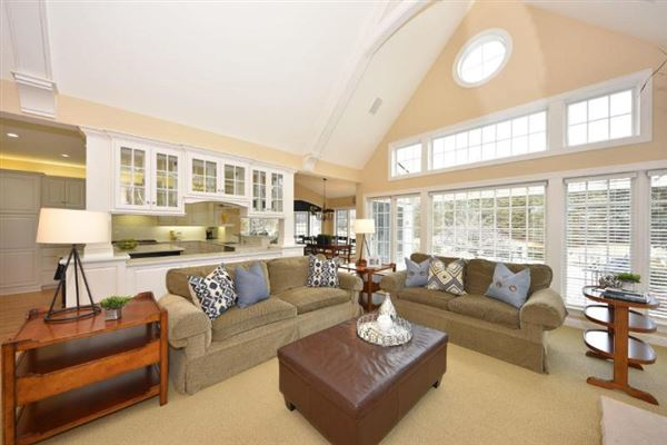 11516 N Justin Dr, Mequon, WI - USA (photo 4)