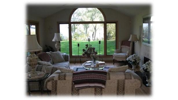 Living Room with Lake Views (photo 2)