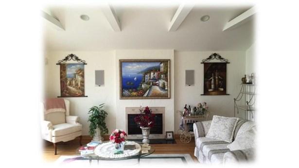 Dining Rm w/Skylights & 2-Way Fireplace (photo 3)