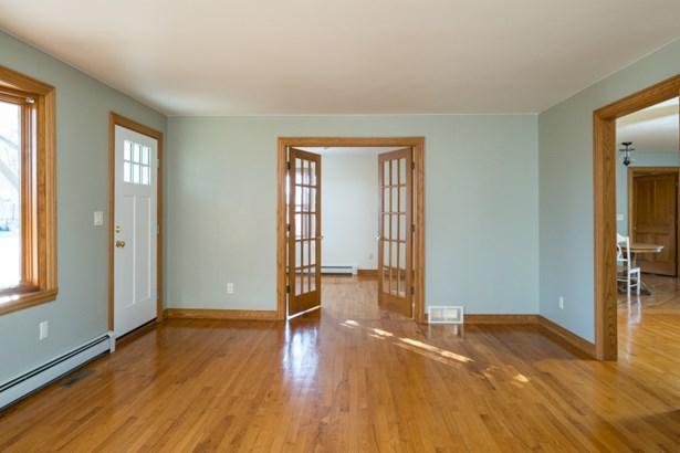 Den / Office or Bedroom 5 (photo 4)