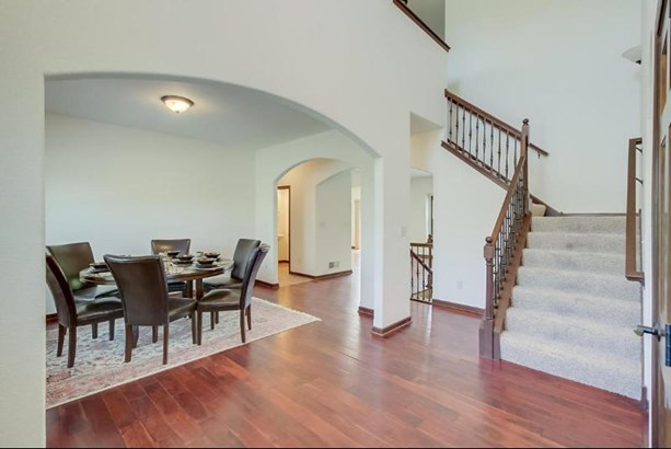 Entry with 2 Story Foyer (photo 4)