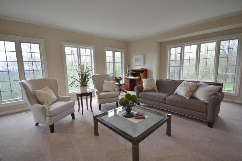 Living Room (3) (photo 2)