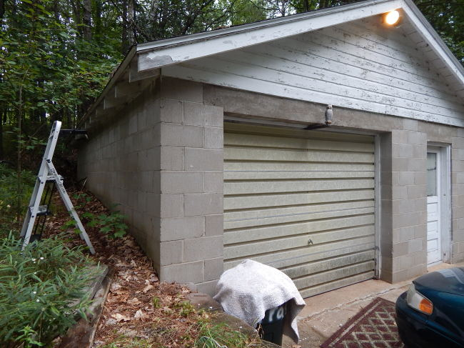 Detached Garage with Storage (photo 4)