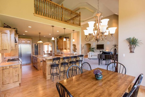 Kitchen to Great Room (photo 5)