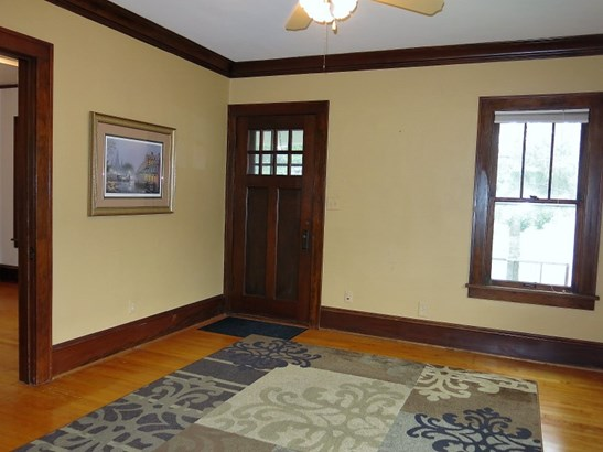 Look at Hardwood Floors! (photo 3)