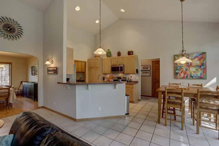 Kitchen/Dining (photo 2)