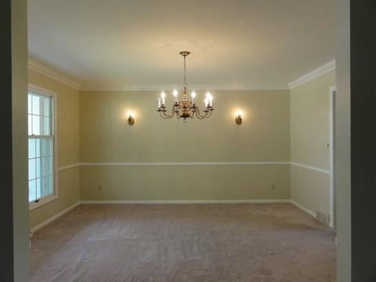 Wonderful spacious living room (photo 4)