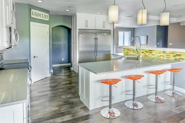 Open to Kitchen (photo 5)