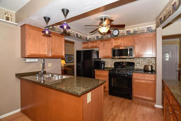 Remodled Kitchen (photo 3)