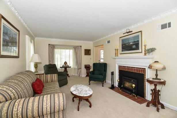 Spacious Living Room (photo 4)