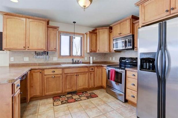 Kitchen Has Upgraded Appliance (photo 5)