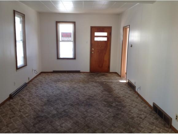 Livingroom (photo 4)