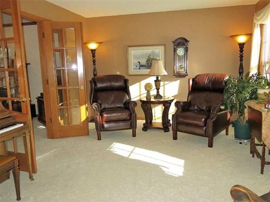 Inviting Living Room (photo 3)