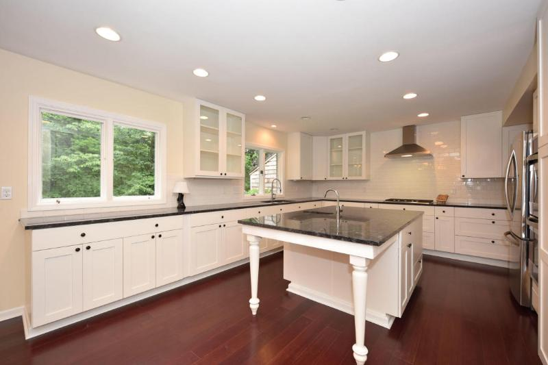 Completely Remodeled Kitchen (photo 2)