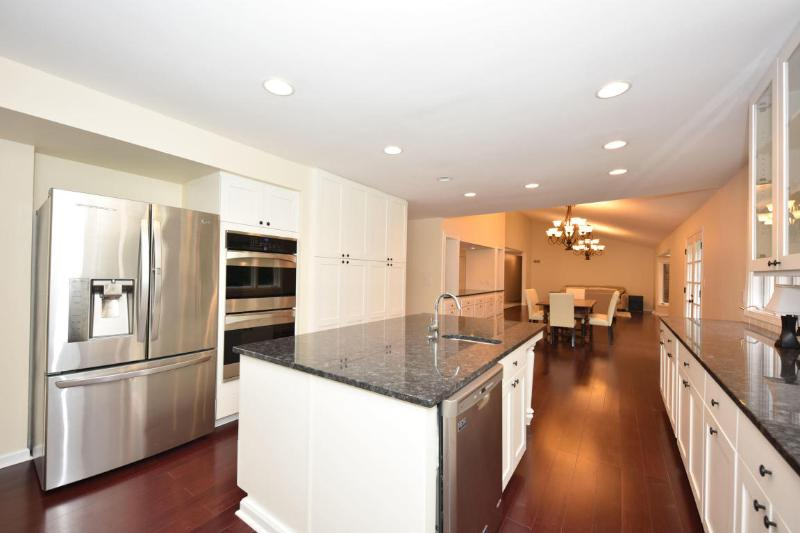 Chef's Kitchen (photo 5)
