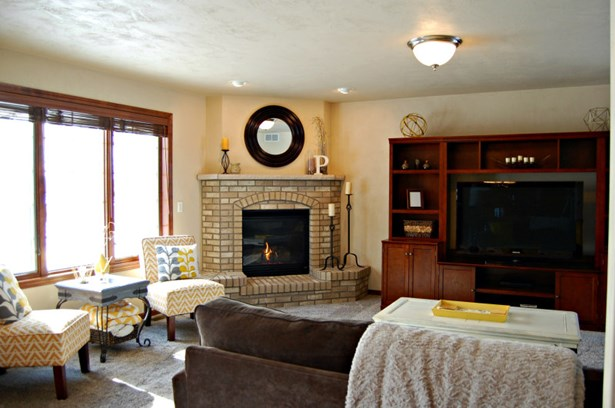 Open Living Room with Gas Fireplace (photo 5)