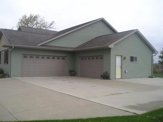 WONDERFUL GARAGES (photo 3)