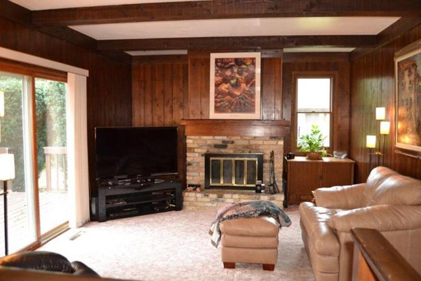 Family Room w/NFP (photo 3)