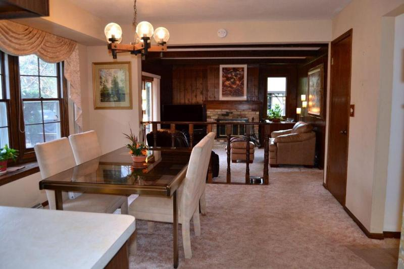 Dining Room to Family Room (photo 4)