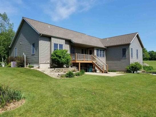 Custom Built Ranch on 3.99 Acres! (photo 1)