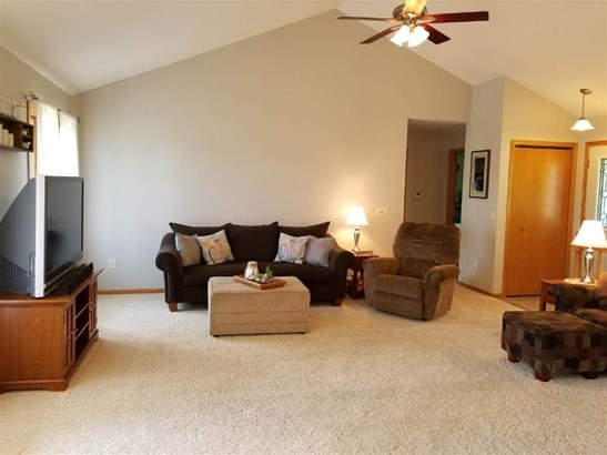 Vaulted Living Room (photo 3)