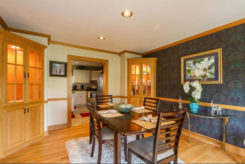 Dining Room with Built-in China Cabinets (photo 5)