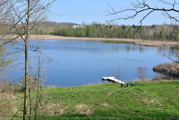 Private 11 acre lake with pier (photo 4)