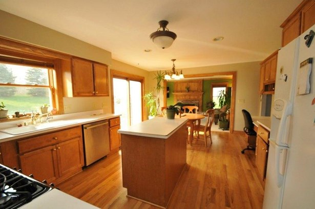 3106-Fox Ridge-Kitchen-iv (photo 5)